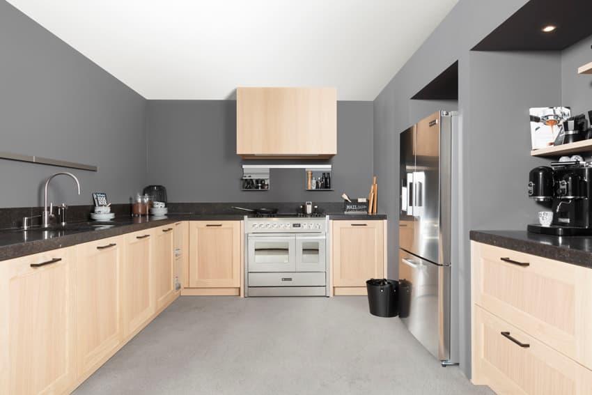 Keuken met marmeren keukenblad