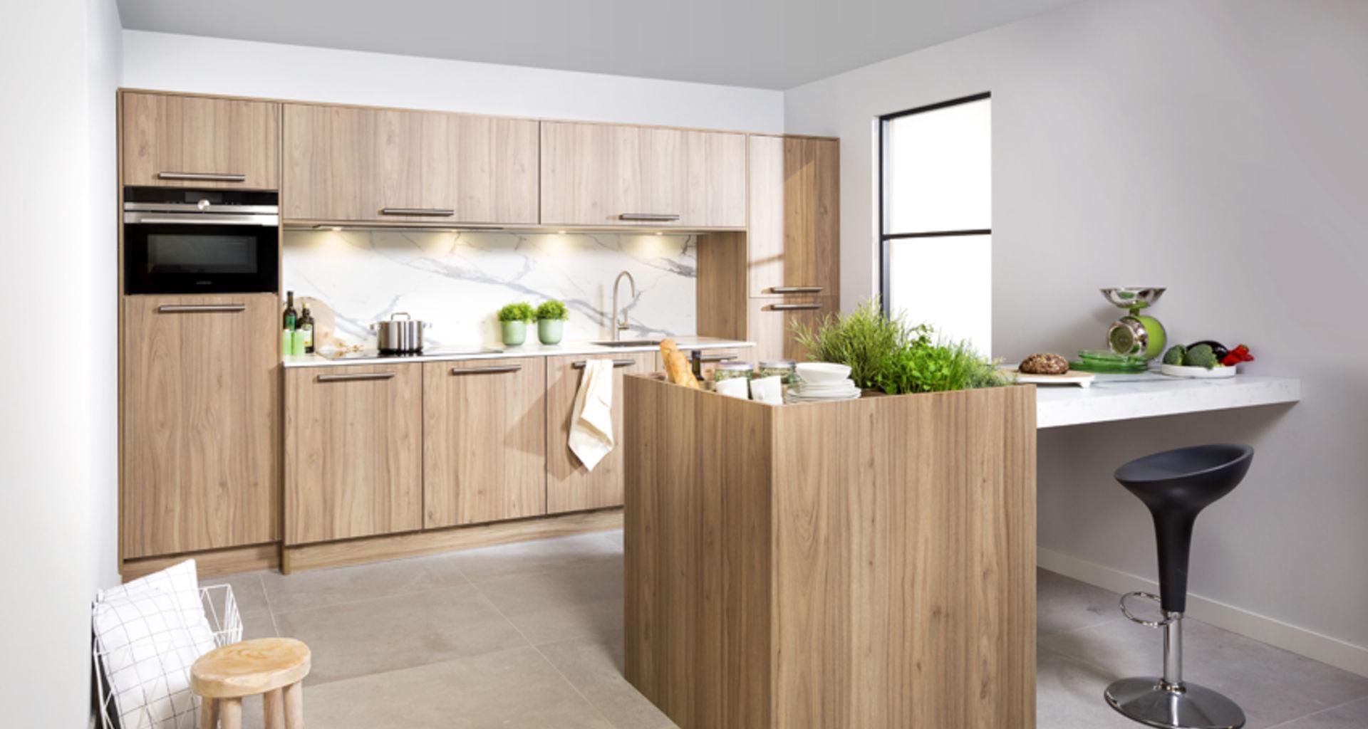 Van Hout Keukens : De warme sfeer van een houten keuken tulp keukens