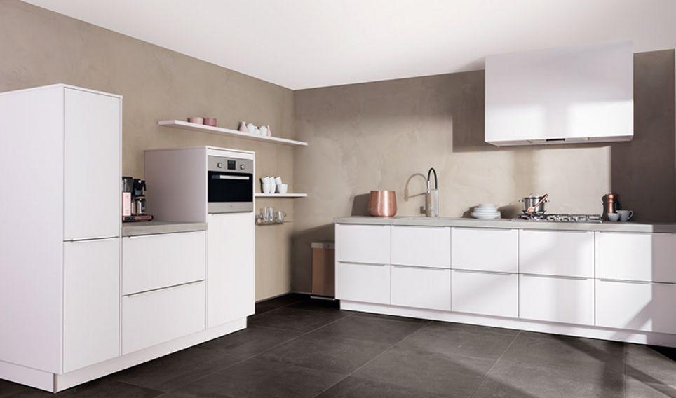 gekleurde achterwand keuken