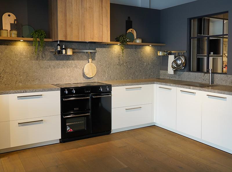 Keuken met grijs composiet aanrechtblad