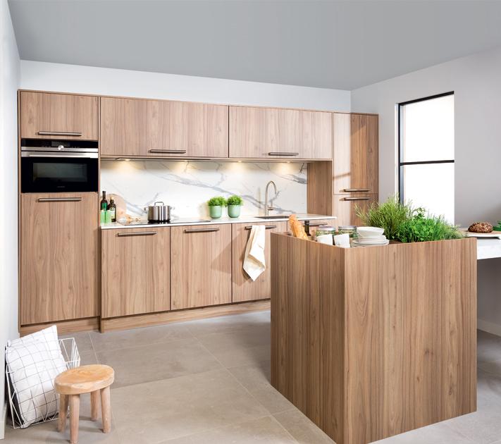 Keuken met houten aanrechtblad